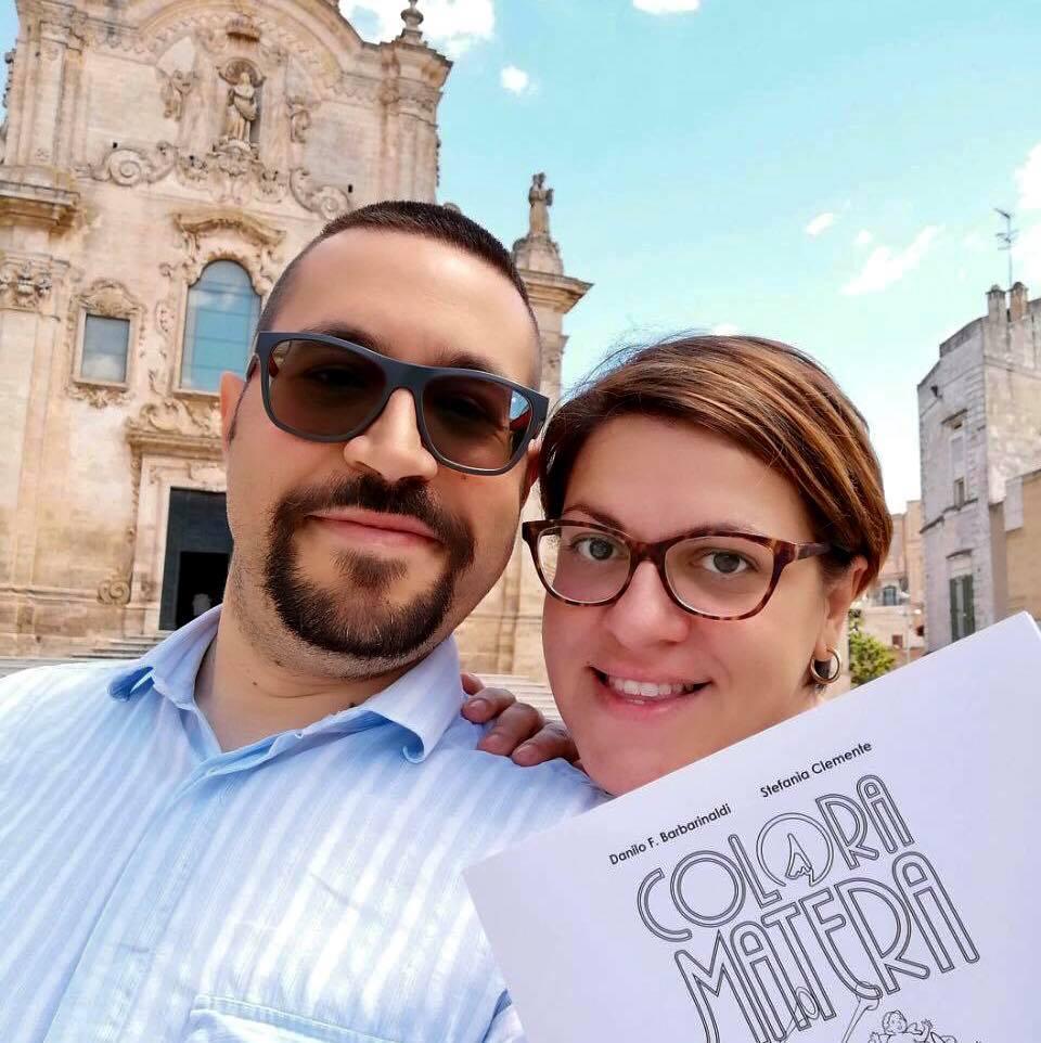 DAB e Stefania Clemente con una copia di Colora Matera