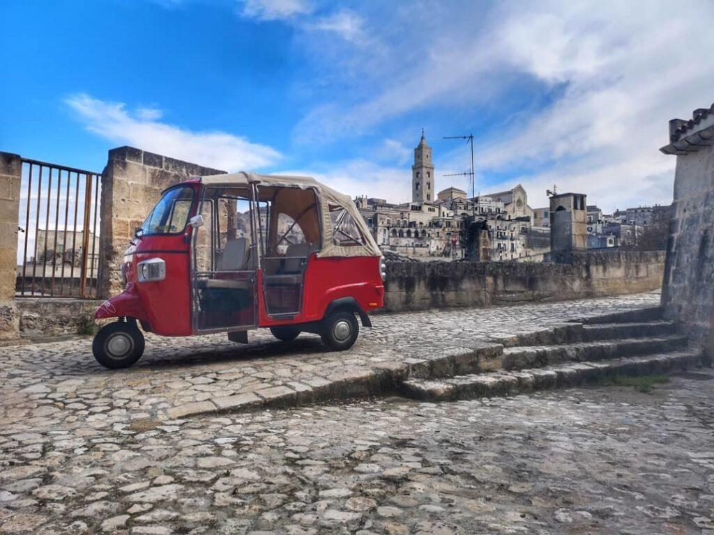 ApeVito - Tour Ape Calessino Centro storico e Sassi