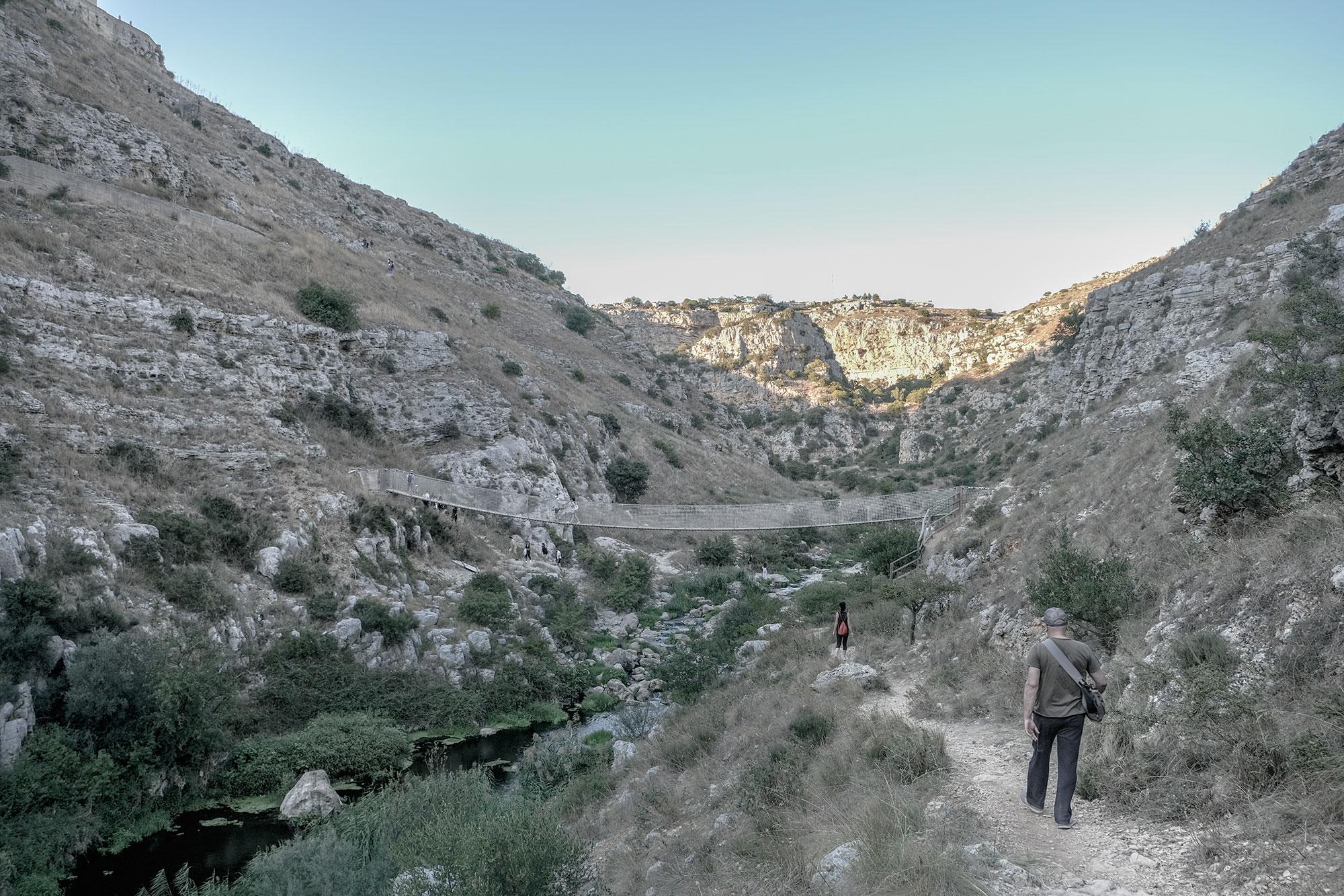 Passeggiata nella gravina di Matera, nell'area del Parco Murgia