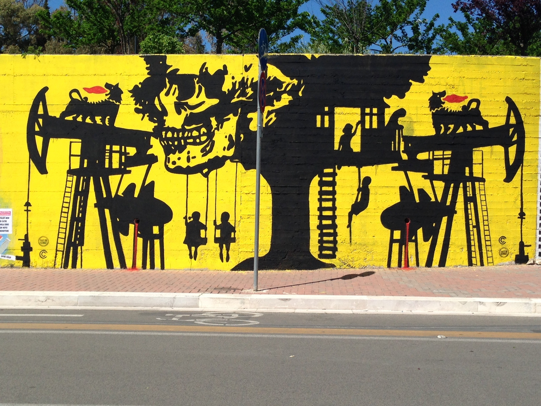 Opera di Chekos, progetto di Momart Gallery e Aracnea, via Saragat, Matera.