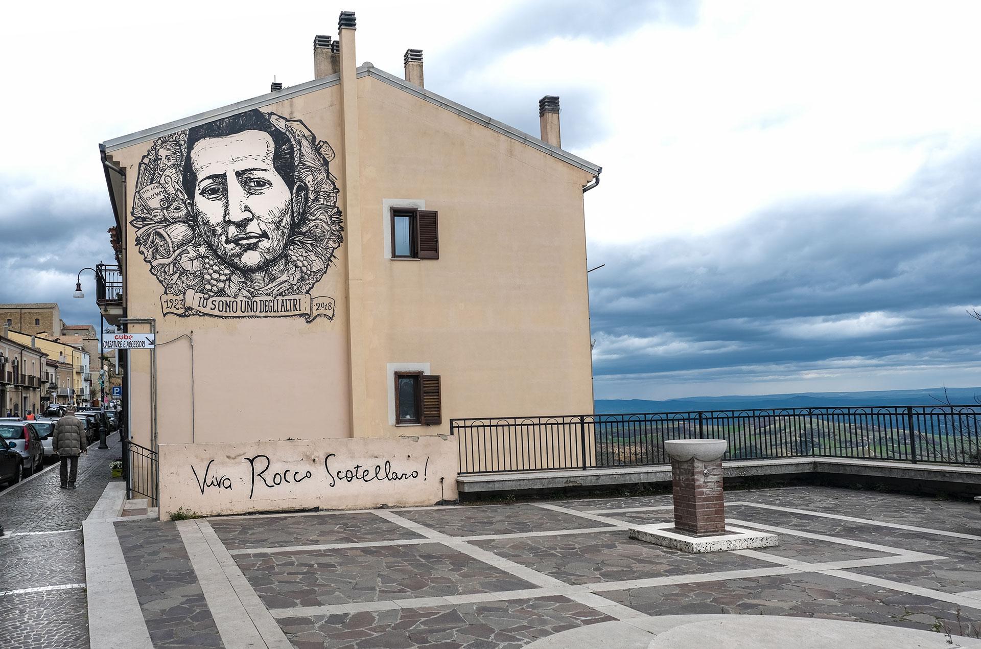 Tricarico. Murale dedicato a Rocco Scotellaro (Foto: Carlo Magni)