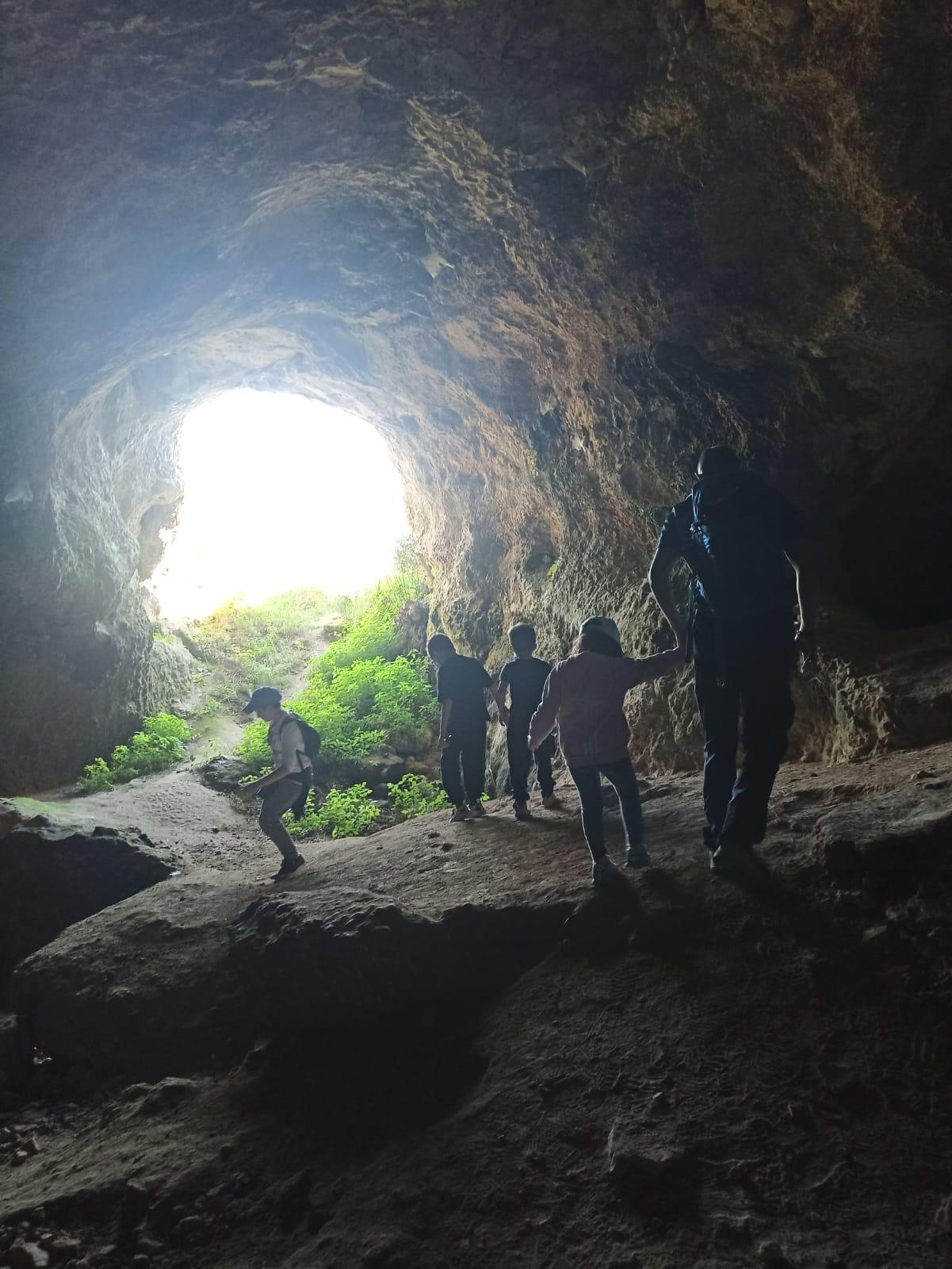 Escursione alla Grotta dei Pipistrelli